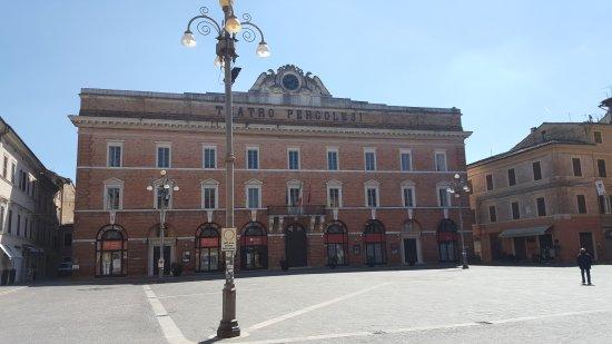 Monumento a Giovanni Battista Pergolesi : 20170408_134051_large.jpg