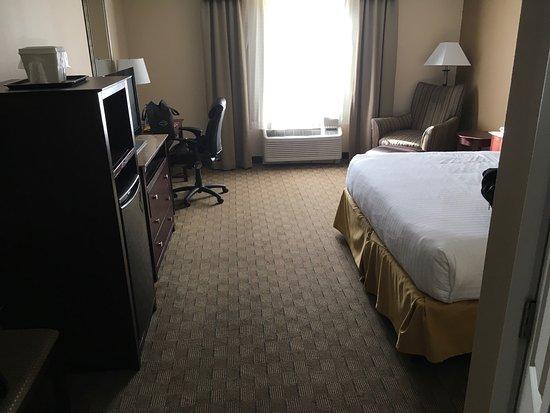 Holiday Inn Express Columbus at Northlake: photo0.jpg