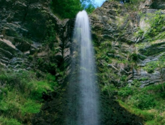 Arabba, Italy: La cascata di Retiz