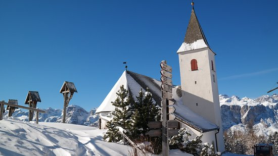 Badia, Italy: Santa Croce/ Heiligkreuz