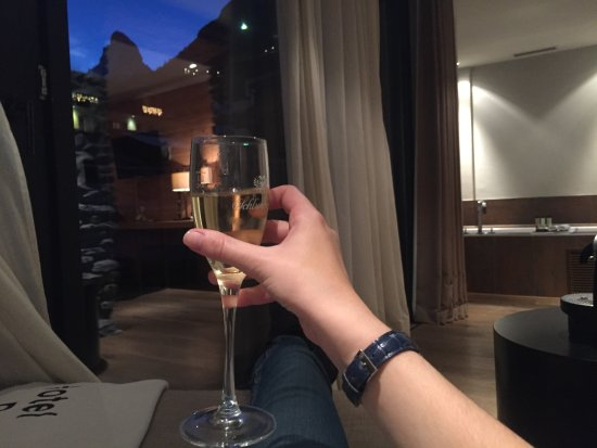 Unique Hotel Post: Complimentary glass of prosecco with a view over Matterhorn!