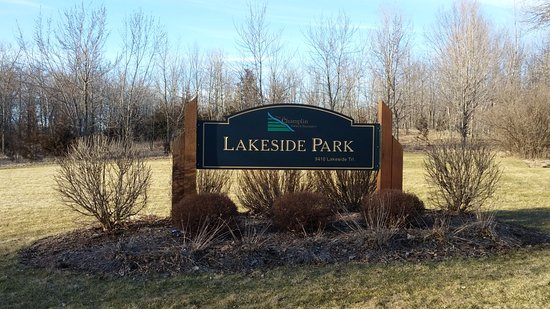Champlin, MN : Lakeside Park sign