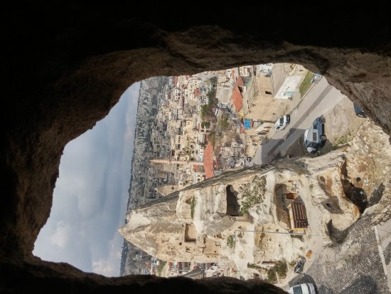 Arif Cave Hotel: 20170410_100847_HDR_large.jpg