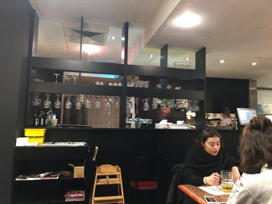 Pizza Hut: local