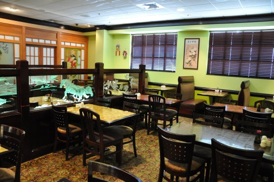 Murray, KY: One of our many clean dining sections.