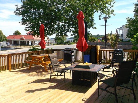 Balcony - Picture of Haileybury Beach Motel, Temiskaming Shores - Tripadvisor