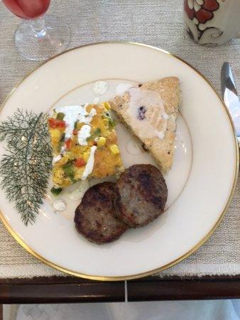 Blue Heron Inn - Amelia Island: Veggie fritata and a gluten free berry scone - YUM