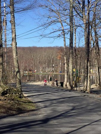 Otter Lake Camp Resort: View of lake by playground from F4