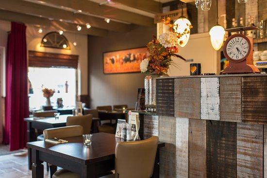 Frankie's Rib & Steakhouse: Restaurant