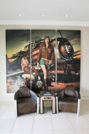 The Aviator Hotel OR Tambo-bild