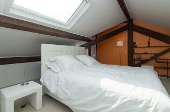 Chanas, Francia: Suite familiale LE PILAT, chambre parents