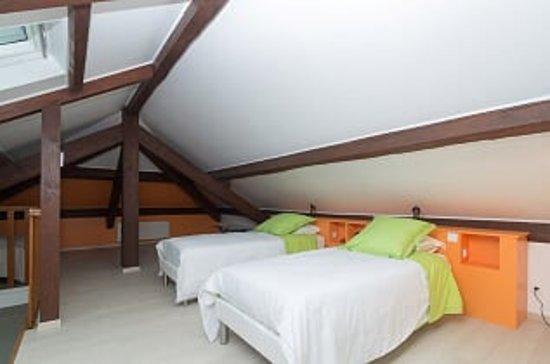 Chanas, Francia: Suite familiale LE PILAT, chambre enfants