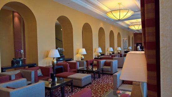 โรงแรมฮิลตัน อิมพีเรียล ดูบรอฟนิก: バーエリア
