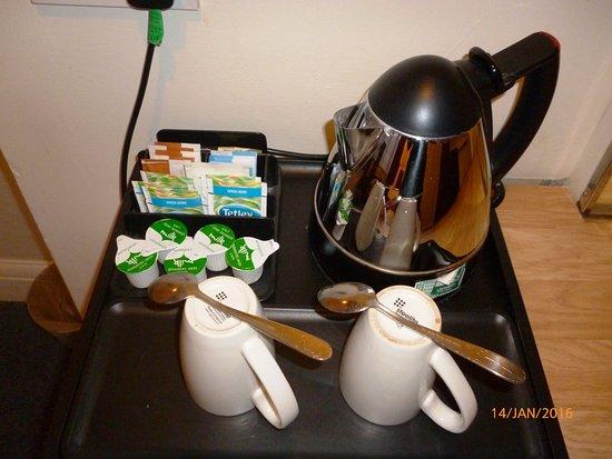 Grange Lodge Hotel : tea and coffee making facilities in every room