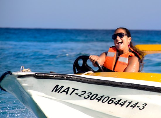 Wow Excursions - Tours: SPEED BOAT AND SNORKEL
