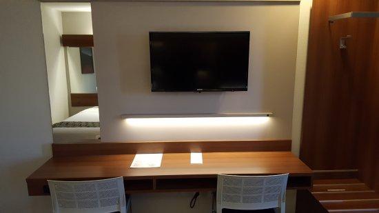 Microtel Inn & Suites by Wyndham Bellevue: Double Queen Room/Queen Suite