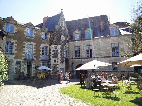Monument Cafe Chateau d'Angers : Terrasse