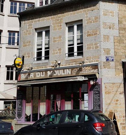 les restaurant avec la salle l 39 tage picture of le moulin a cafe villedieu les poeles. Black Bedroom Furniture Sets. Home Design Ideas