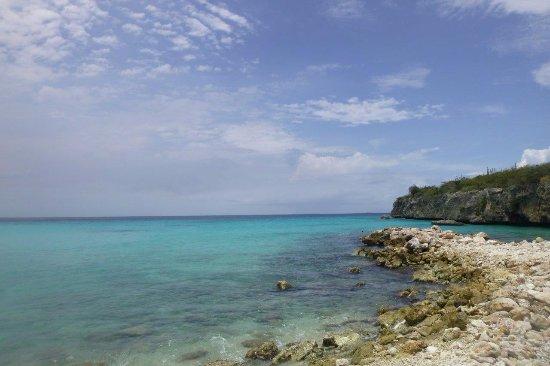 Daaibooi Beach: Snorkelling around rocks area on right side of bay