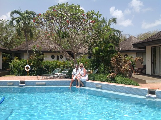 Kariwak Village Holistic Haven and Hotel: The pool with some accommodation in the background
