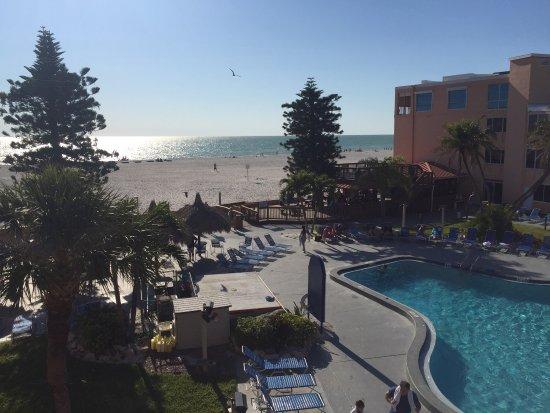 Dolphin Beach Resort: photo0.jpg