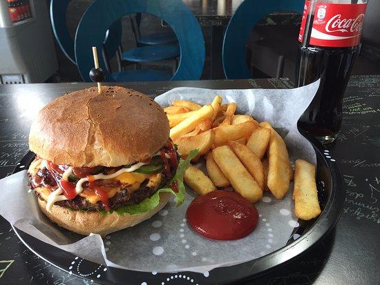 Benningen am Neckar, Alemania: Lecker Burger