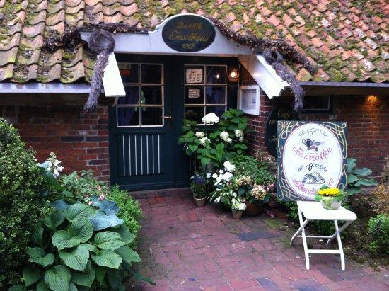 Spiekeroog, Tyskland: Eingang zum Alten Inselhaus