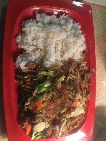 I-Ho's Korean Grill: Dab-chai-bob with chicken. Yum!