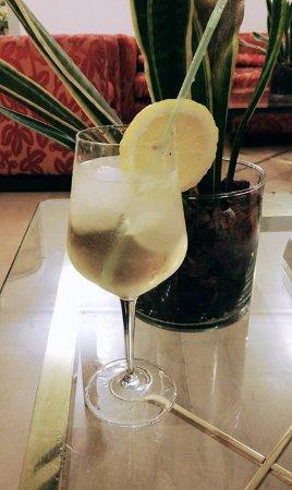 Hotel Cecil: In de bar (martini bianco met prosecco)
