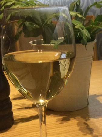 Attica, Yunanistan: Delicious white wine!