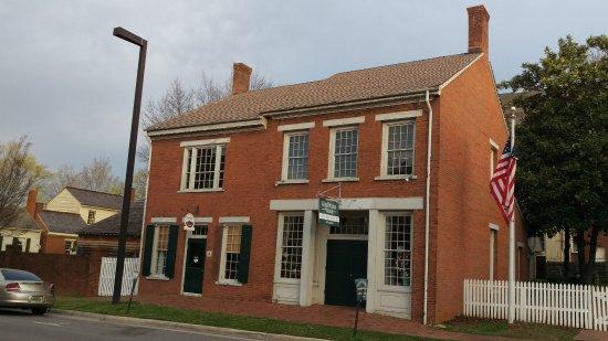 Alabama Constitution Village : Shops