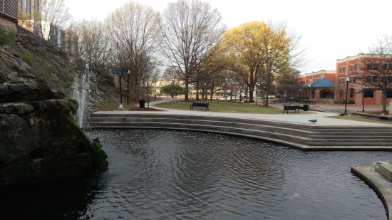 Big Spring Park: Fountain at the spring.
