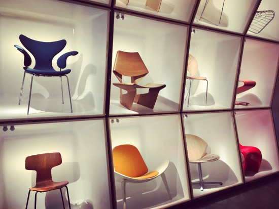 Designmuseum Danmark: The blue chair was my favourite - The Swan