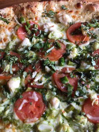 Dogfish Head Alehouse: Chesapeake Pizza