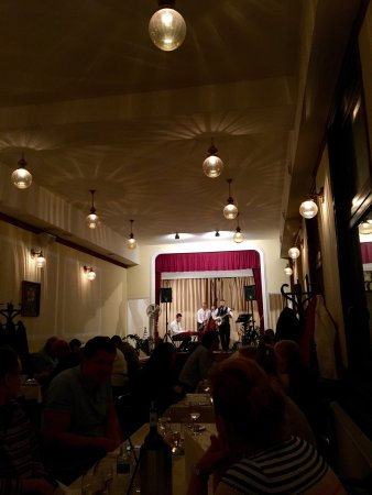 Ladó Café: Fantastic food. Wonderfull jazz. Attentive and warm service. Cool place. Even if you are alone.