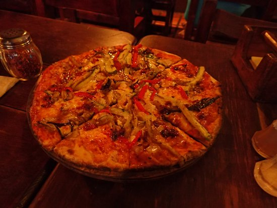 Franks bar and grill: Franks Pizza Yum Yum