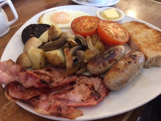 Mold, UK: Large breakfast with tomatos but beans available.