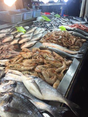 Tazecik bal klar fethiye fish market fethiye resmi for Empire fish market