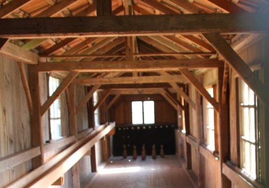 Oberhaching, เยอรมนี: hier mmüssen noch Kegel aufgesetzt und die Kugel von Hand zurückgerollt werden