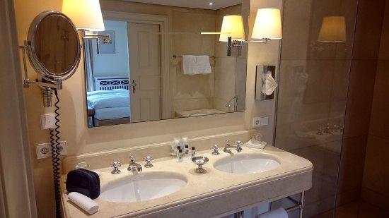 Unkel, ألمانيا: Waschtisch Bad