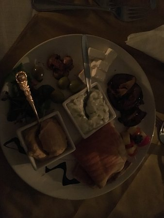 The Burlesque Cafe: messe platter