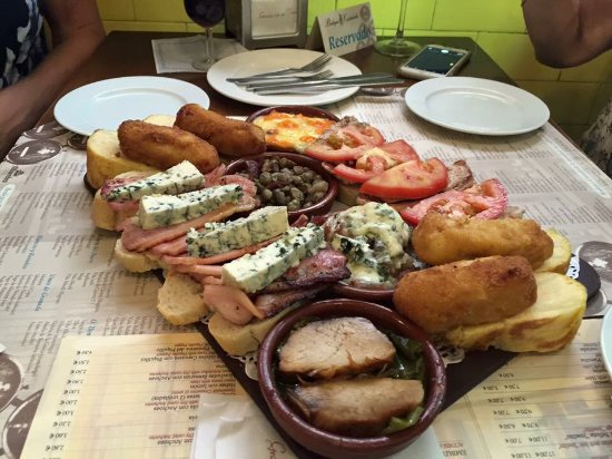 Province of Granada, İspanya: fantastic board of several we had Delicious!