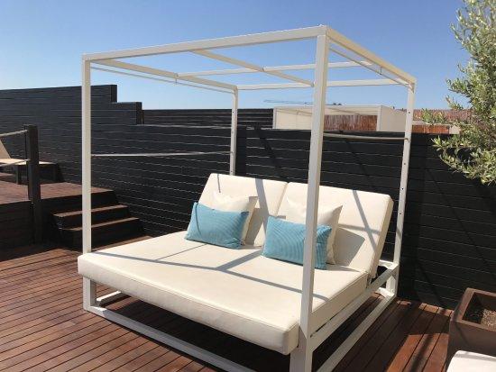 Catalonia Ramblas: Härlig solsäng på takterrassen! Ställbart ryggstöd.