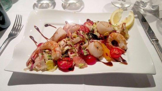Gradignan, Francia: A seafood first course