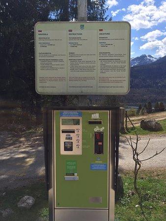Srednja vas v Bohinju, Eslovenia: Parkeerautomaat .