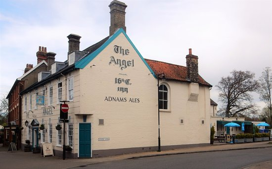‪‪Halesworth‬, UK: Cleone's at the Angel is situated in the heart of this peaceful small town.‬