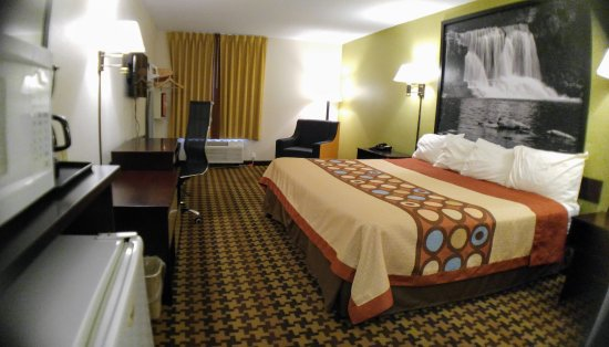 Cloverdale, IN: King Rooms. All Rooms are equipped with Fridge and Microwave.