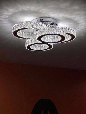 La Quinta Inn & Suites Chambersburg: LIGHTING IN OUR HOTEL LOBBY