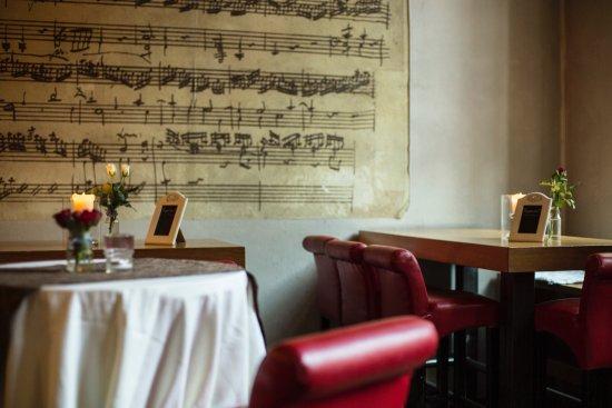 Barbereich Bild Von Amadeus 2 Zimmer Kuche Bar Wiesbaden