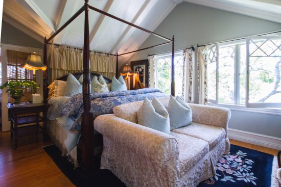 Arabella Laguna: Myrtle Suite Main Bedroom